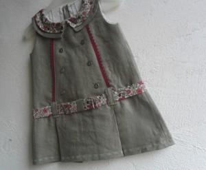Jolie robe d'une idée derrière la tête pour coudreetbroder.com